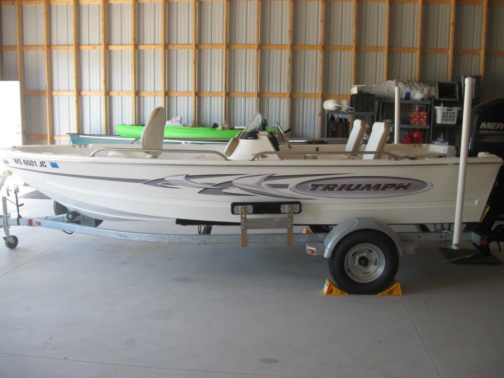 2014 Triumph Boats 170 DC