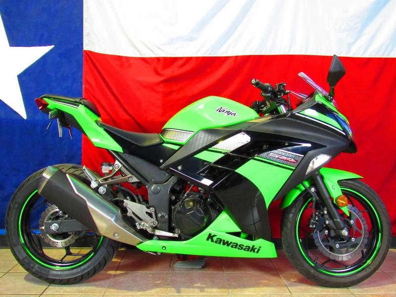 $3,740, 2013 Kawasaki Ninja 300